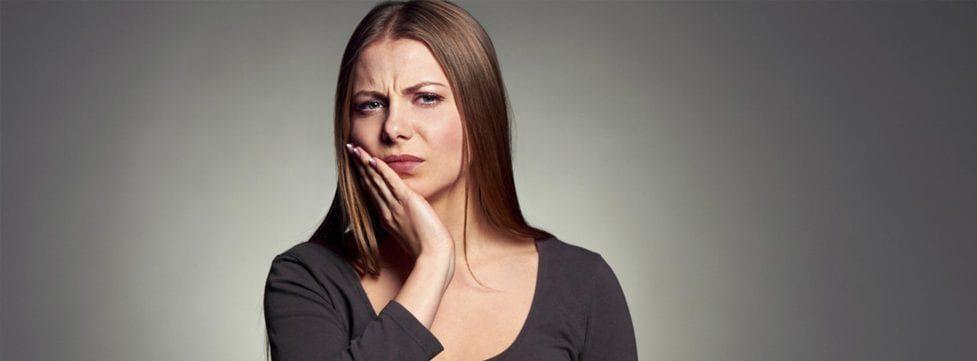 dente-sangrando-como-parar-dicas-e-causas